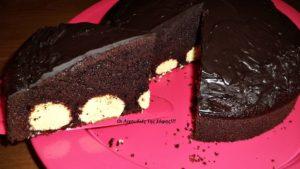 Σοκολατένιο κέικ γεμιστό